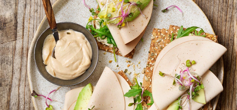 SEM_Useful_tips_on_serving_humus